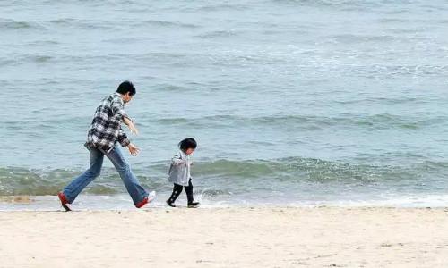 父亲决定孩子飞多高,母亲决定孩子飞多远
