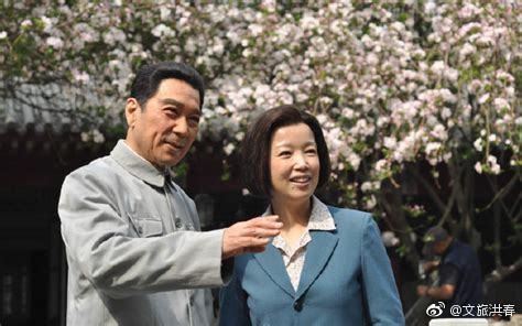 想起《海棠依旧》,忆念十里长街送的总理